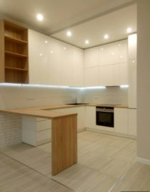Плитка на кухне + оформление фото 9